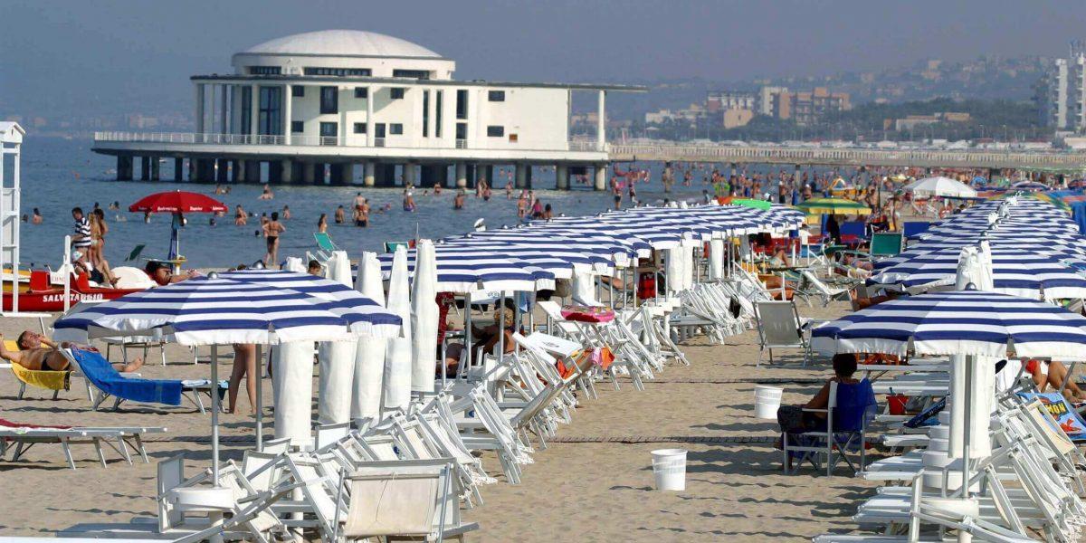 rotonda sul mare e spiaggia di senigallia